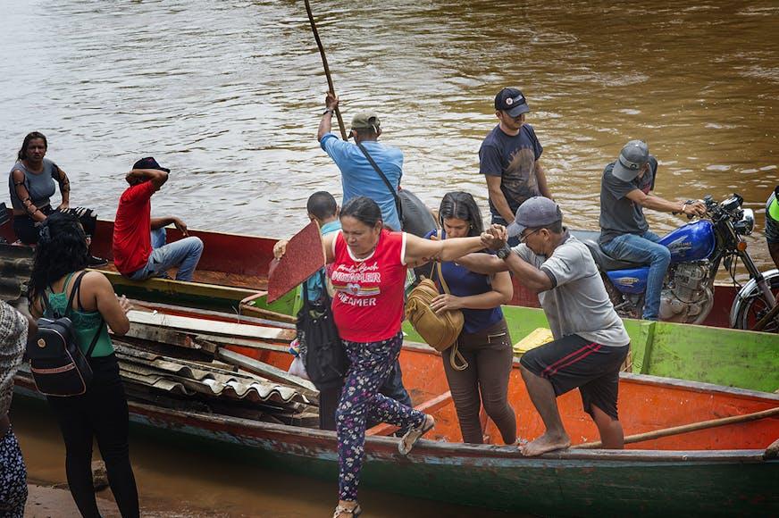 DRA Joint Response Vluchtelingen springen van de boot