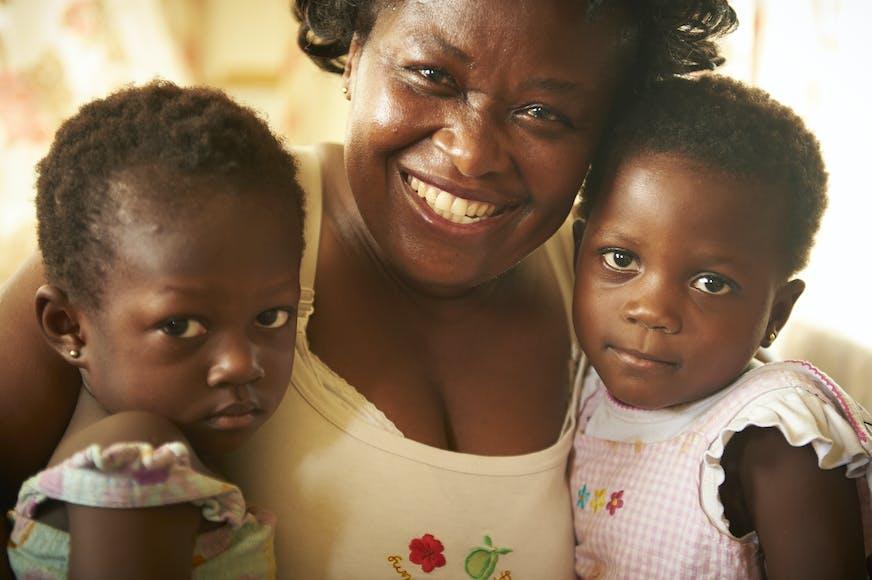 Kinderdorp Kumasi moeder en kinderen