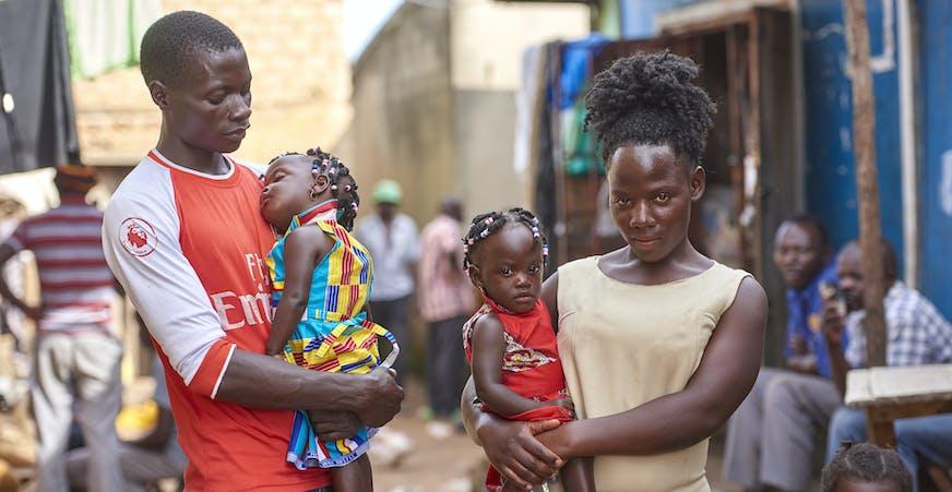 Oeganda Familieversterkend Programma - familie met tweeling