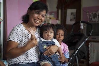 SOS-moeder-rini-indonesie-sos-kinderdorpen