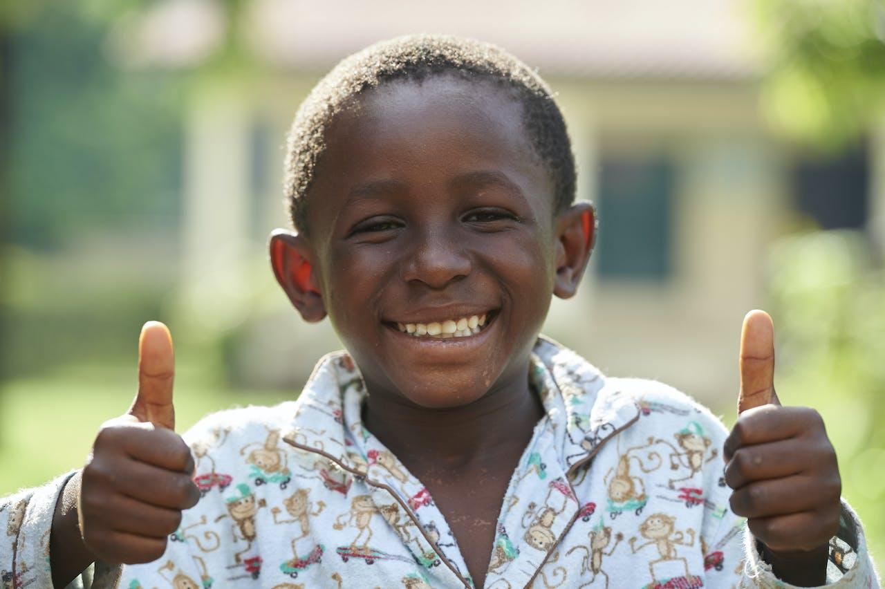 bedankt-jongetje-afrika-sos-kinderdorp