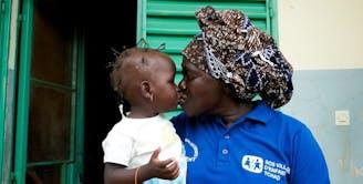 Kinderdorp Tsjaad SOS moeder en dochter