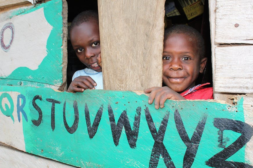 Jacob-op-school-oeganda-families-versterken