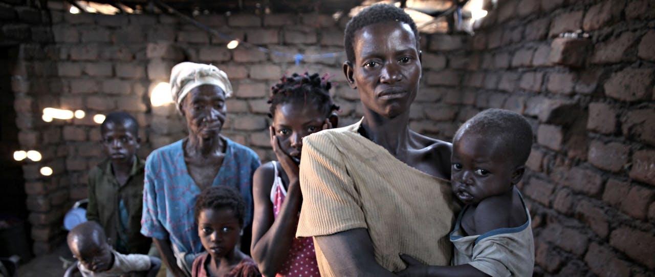 Kwetsbare familie in Afrika, SOS Kinderdorpen